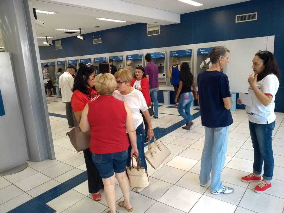 Sindicato acompanha dia de pagamento dos aposentados e pensionistas