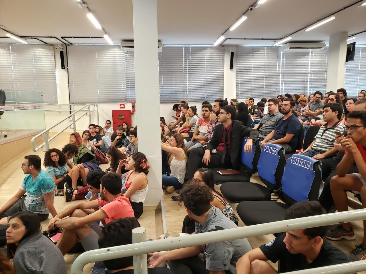 Sindicato participa de audiência em defesa da universidade pública